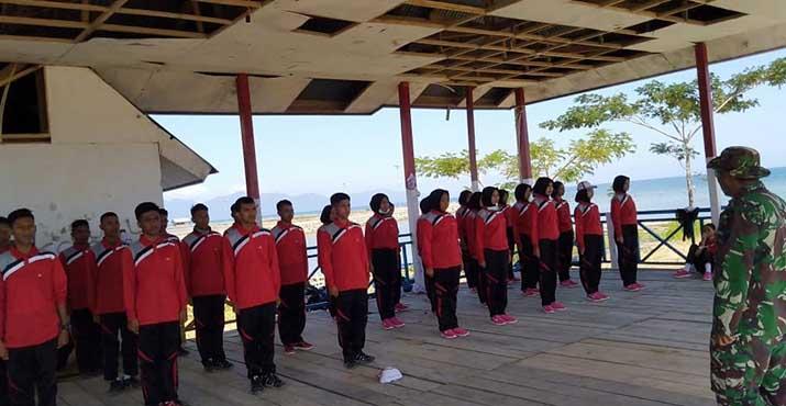 Para Peserta Paskibraka saat mengikuti proses latihan di lapangan TPI.