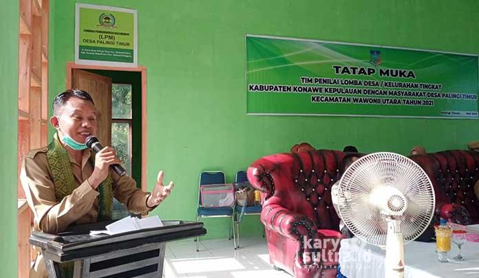 Plt Kadis PMD Konkep, Zakaria Rasjid S.Pd M.Pd saat sambutan diacara lomba desa di Desa Palingi Timur.