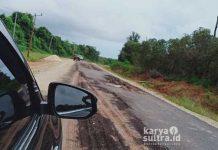 Jalan Aspal sepanjang 1875 meter dari arah ibukota Langara menuju Lampeapi rusak parah.