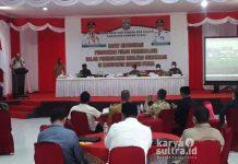 Bupati Konut, Ruksamin saat sambutan pembukaan acara sosialisasi Penguatan dan Peningkatan Indeks Demokrasi.
