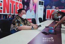 Ketua Kamar Dagang dan Industri (Kadin) Sultra, Anton Timbang saat menggelar Konferensi Pers di kantornya, Jumat Sore (25/6/2021).