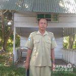 Suryanto, Guru SMKN 2 Bombana sang penggagas Bank Sampah.